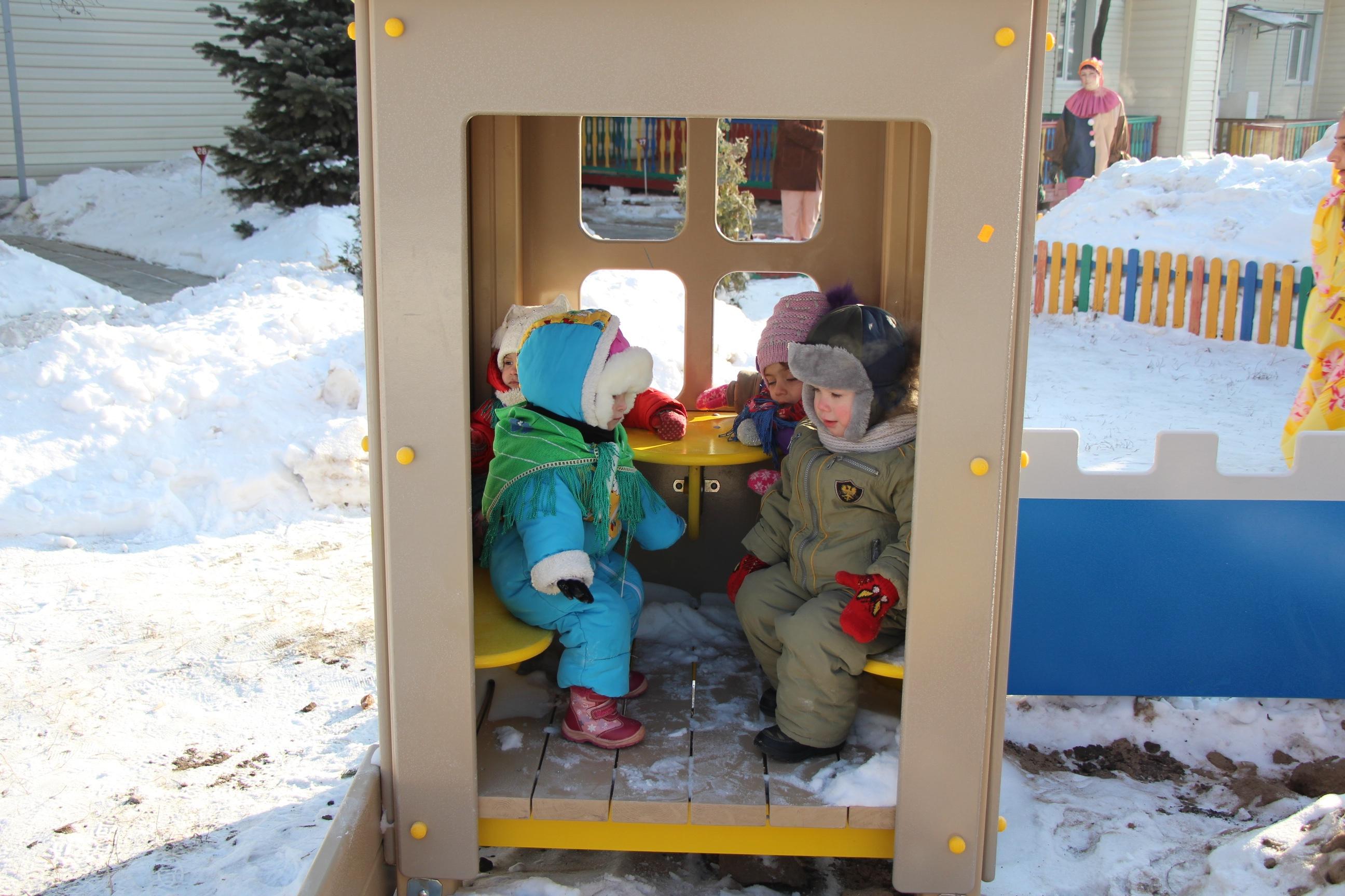 Детки обживают новый домик