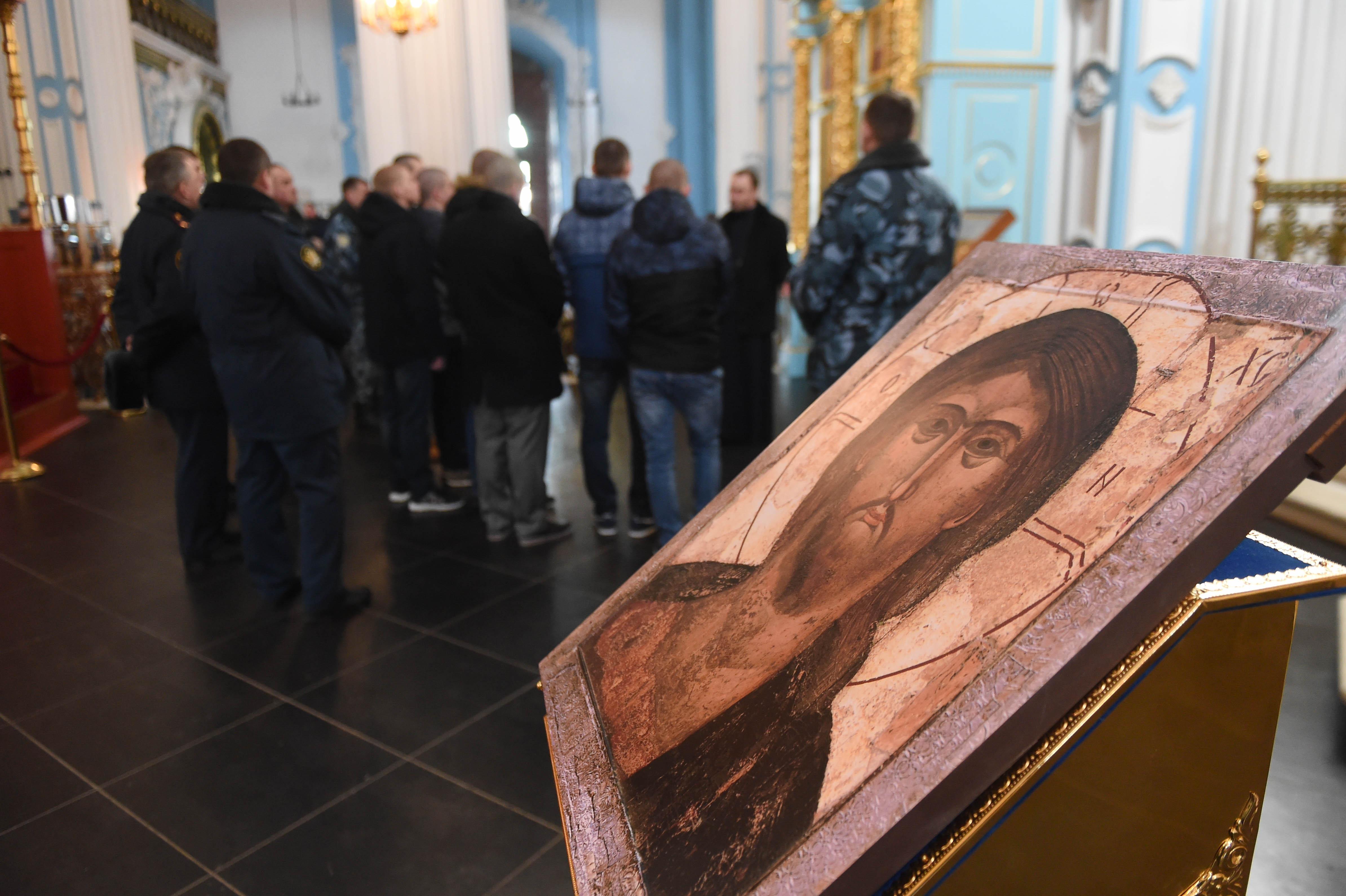 Регент Ново-Иерусалимского монастыря Сергей Николаевич Улицкий проводит экскурсию