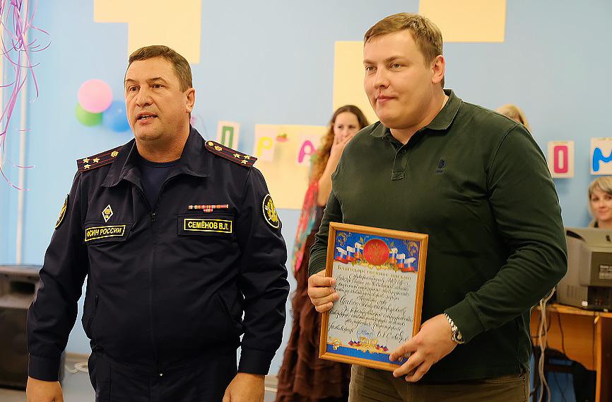 Начальник ФКУ ИК-5 Семенов В.Л. и директор нашего фонда Шилов П.А.